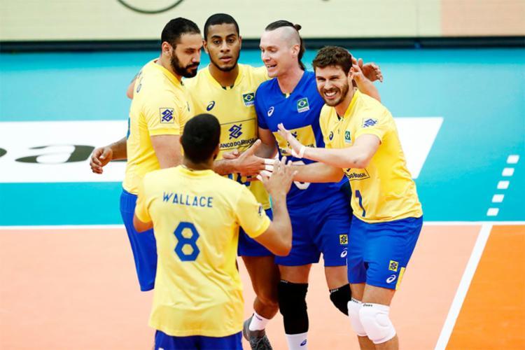A equipe brasileira superou a França por 3 sets a 0 - Foto: Divulgação | FIVB