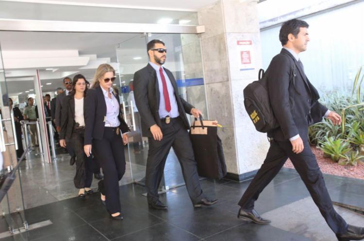 Buscas demoraram mais de 4 horas no gabinete de Nilo - Foto: Xando Pereira | Ag. A TARDE | 13.09.2010