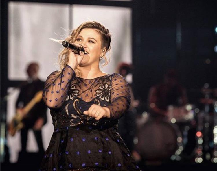 A cantora ainda falou que, antes de ser mãe, ela e Brandon Blackstock, seu marido, costumavam sair mais - Foto: Reprodução   Instagram