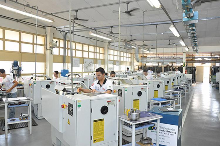 Áreas ligadas ao consumo, como vestuário, alimentos, eletrodomésticos e veículos, estão entre as que mais abriram oportunidades de trabalho - Foto: Divulgação l Portal Senai