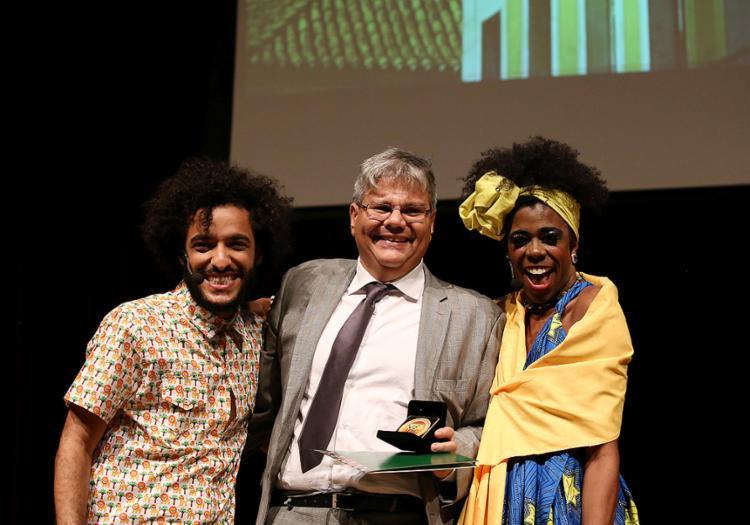 Diretor do Grupo A TARDE, Cleber Soares recebe comenda - Foto: Adilton Venegeroles l Ag. A TARDE