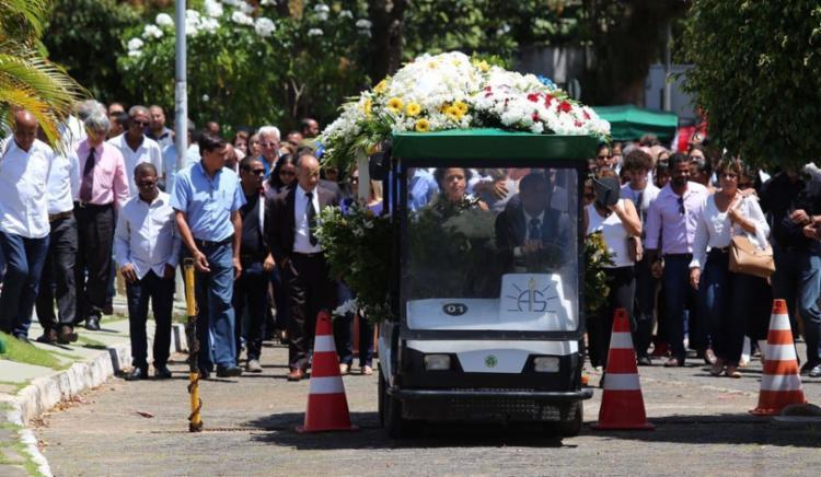 Corpo foi cremado após cerimônia de despedida nesta quinta-feira - Foto: Xando Pereira | Ag. A TARDE | 14.09.2010