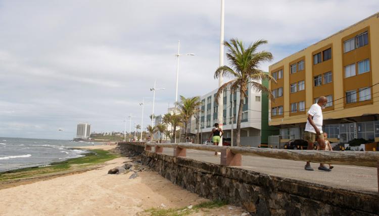 Reinaldo tomava banho de mar na praia de Amaralina com amigos - Foto: Joá Souza   Ag. A TARDE