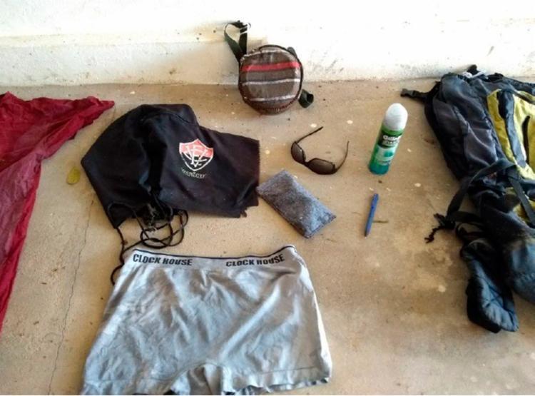 Pertences da vítima foram encontrados próximo a ossada - Foto: Divulgação   Polícia Civil