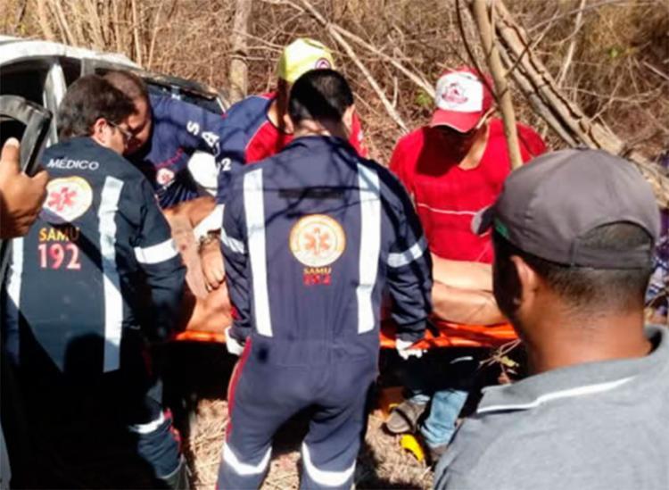 Uma das vítimas ficou presa nas ferragens, mas foi socorrida pelo Samu - Foto: Reprodução | Blog Sigi Vilares