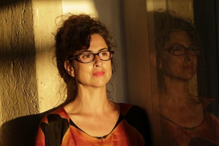 A escritora portuguesa Alexandra Lucas Coelho já escreveu dois livros sobre o Brasil - Foto: Margarida Neide / Ag. A TARDE