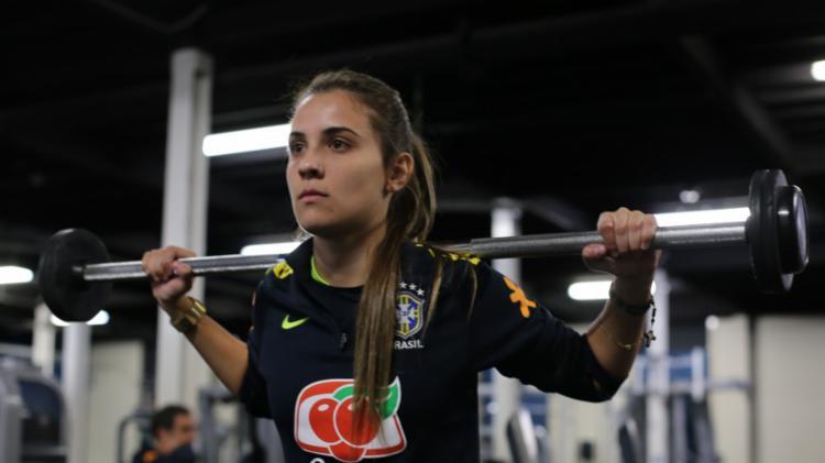 Djenifer em treinamento para jogo desta terça contra a Austrália - Foto: Fernanda Coimbra | CBF