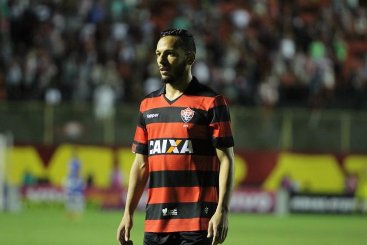 Meia deve desfalcar o Leão contra o Atlético Mineiro - Foto: Maurícia da Matta | EC Vitória