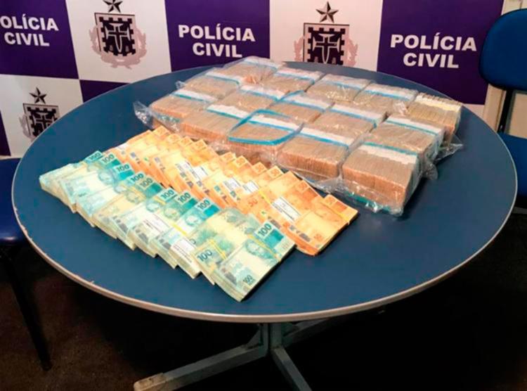 Polícia recuperou cerca de R$ 920 mil - Foto: Divulgação   Polícia Civil