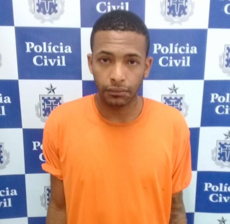 Alex foi autuado em flagrante por tráfico de drogas e vai responder por homicídio - Foto: Divulgação   Polícia Civil