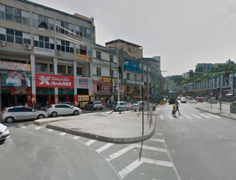O acidente aconteceu no cruzamento próximo à saída da rua Djalma Dutra, sentido Rótula do Abacaxi - Foto: Reprodução | GoogleMaps