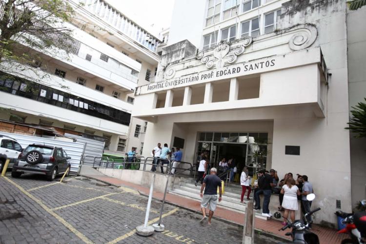 Servidores terceirizados do Hospital Edgard Santos reivindicam reajuste salarial - Foto: Joá Souza | Ag. A TARDE