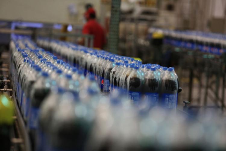 Hoje, cada 100 gramas da bebida possui 16 gramas de açúcar - Foto: Joá Souza | Ag. A TARDE