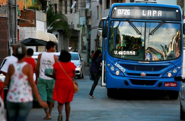Os rodoviários tinham decidido não entrar nas localidades por suposta ameaça de traficantes - Foto: Joá Souza | Ag. A TARDE