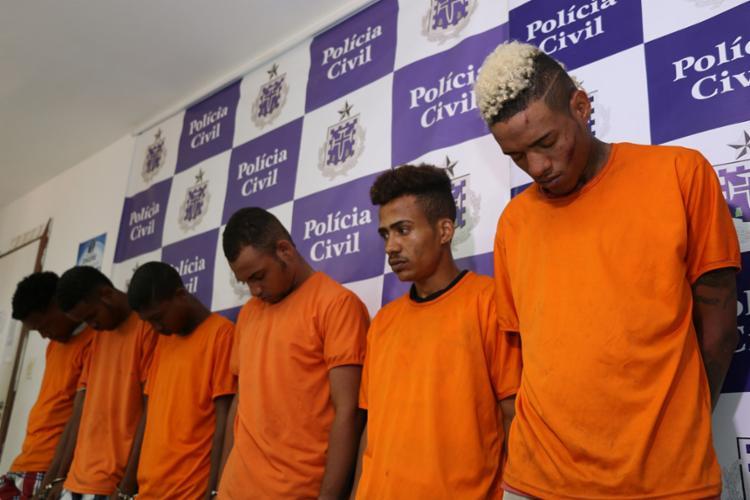 Grupo foi flagrado com drogas e armas - Foto: Alberto Maraux | SSP
