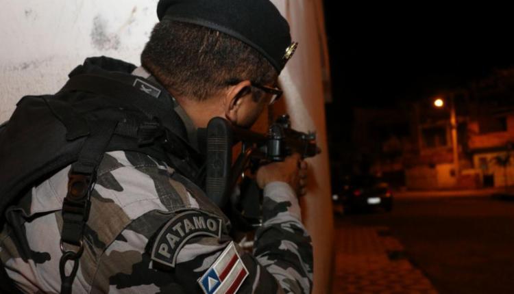 Operação acontece desde a madrugada desta quinta, 21, nos três bairros - Foto: Alberto Maraux | Divulgação | SSP-BA