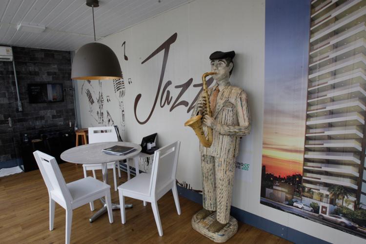 Estande do Jazz foi projetado em dois contêineres - Foto: Margarida Neide   Ag. A Tarde