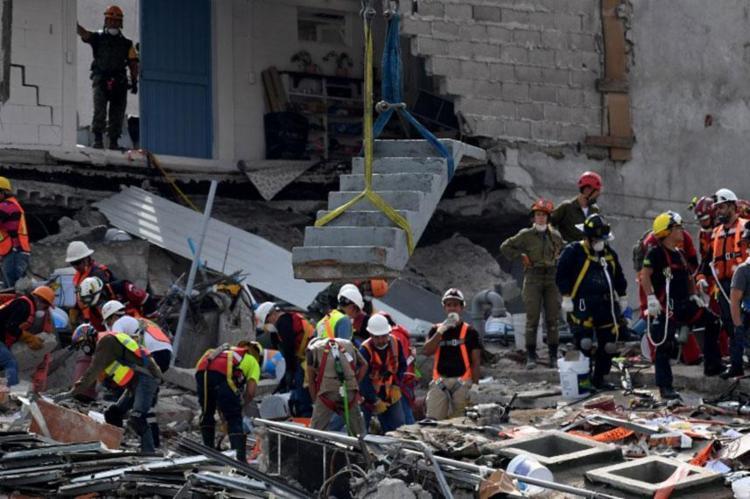Primeiro terremoto matou mais de 300 pessoas - Foto: Pedro Pardo | AFP