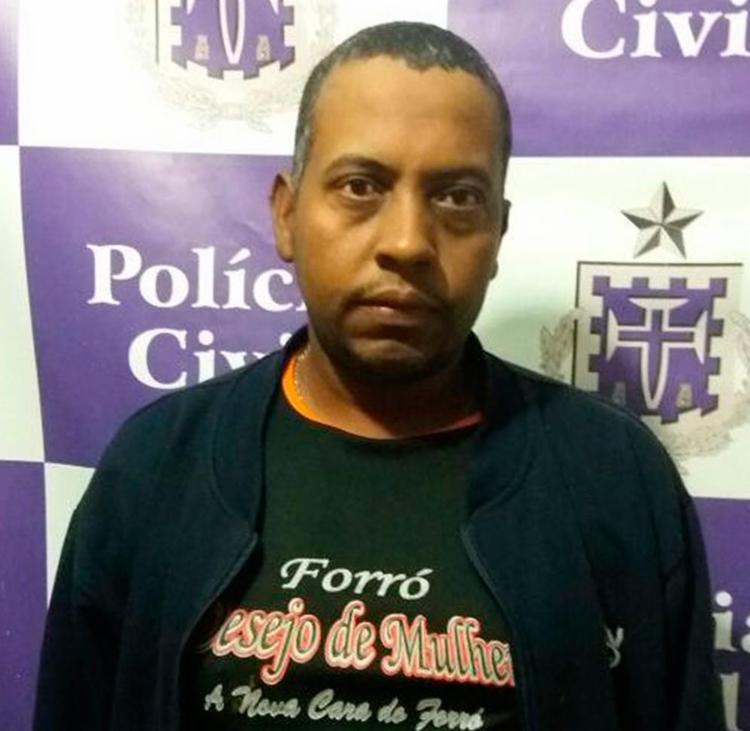 Ele teria dado vários golpes de facão na vítima - Foto: Divulgação | Polícia Civil