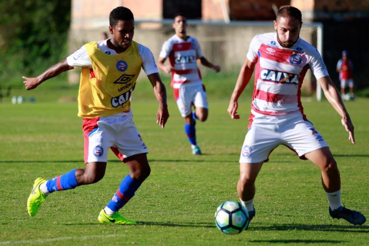 Reservas participaram de um treino coletivo contra os juniores - Foto: Felipe Oliveira l EC Bahia