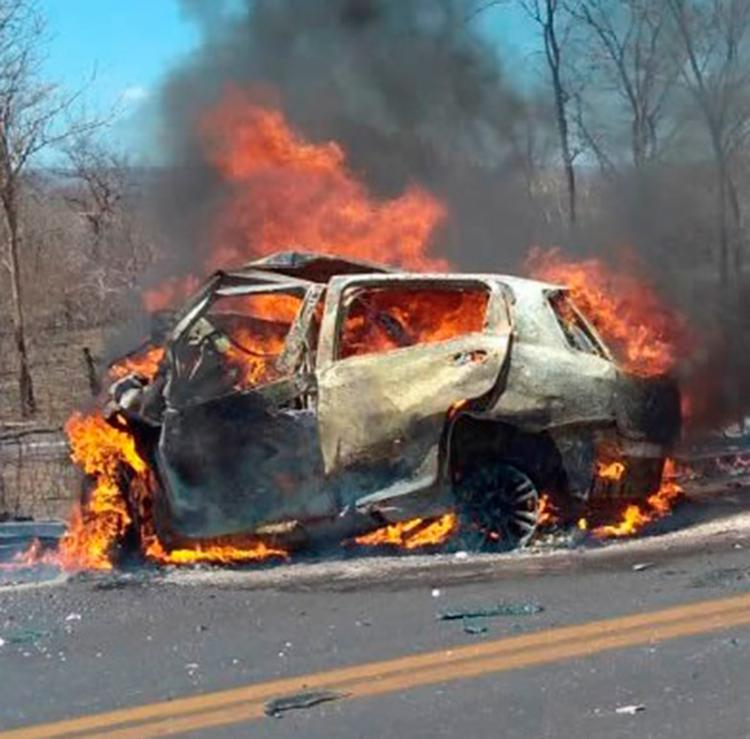 Dos quatro mortos, dois foram carbonizadas no acidente - Foto: Reprodução   Blog Sigi Vilares
