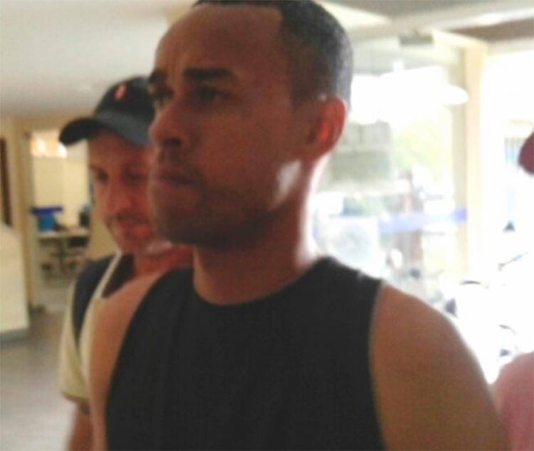 O suspeito estava com passagem comprada e de malas prontas para fugir para SP - Foto: Reprodução | Acorda Cidade