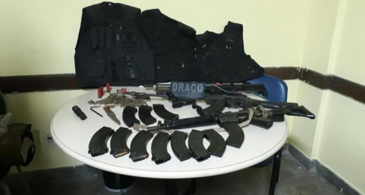 O material apreendido foi encontrado com os dois suspeitos mortos - Foto: Divulgação | SSP-BA
