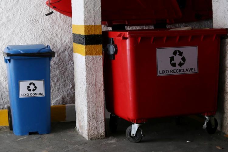 A coleta seletiva contribui para a economia do condomínio - Foto: Adilton Venegeroles l Ag. A TARDE