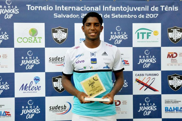 João Lucas levantou seu primeiro troféu na principal categoria - Foto: Divulgação | Bahia Juniors Cup
