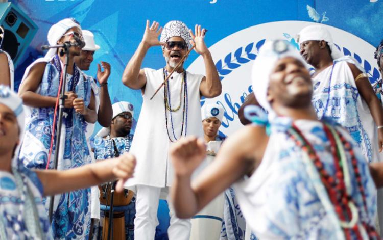 Carlinhos Brown fará uma participação especial no show do Gandhy - Foto: Raul Spinassé | Ag. A TARDE | 23.08.2017
