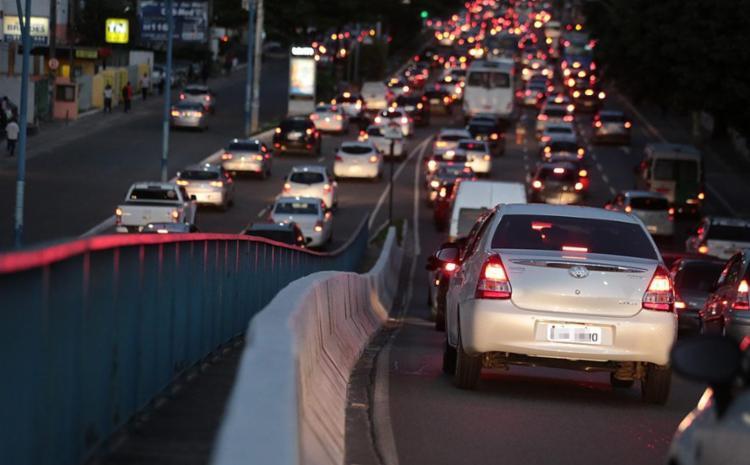 O fluxo de veículos aumentou no final da tarde, mas segue com tranquilidade - Foto: Joá Souza | Ag, A TARDE