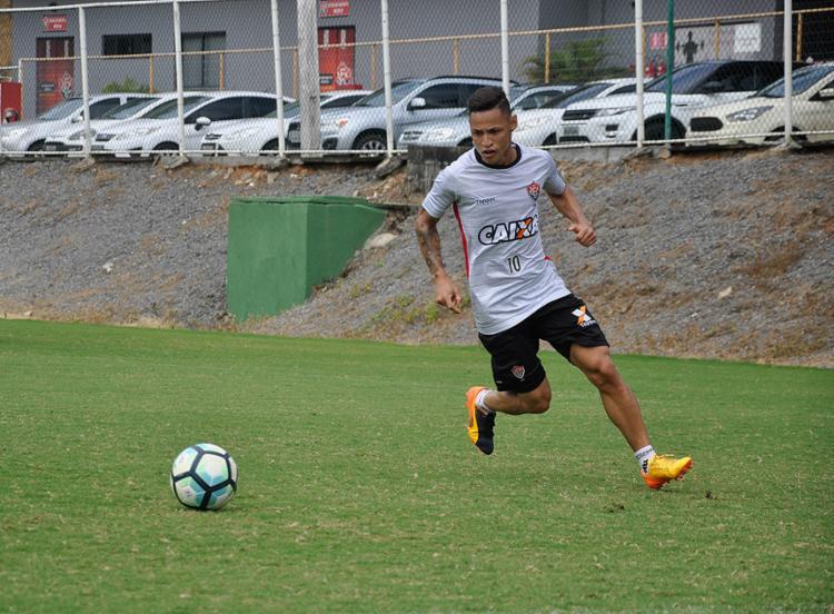 Neilton espera jogo difícil diante do Fluminense, neste domingo - Foto: Maurícia da Matta l EC Vitória