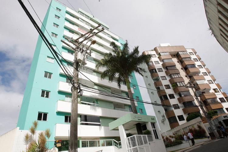 Imóvel fica no prédio Residencial José Azi da Silva, bairro da Graça - Foto: Margarida Neide l Ag. A TARDE