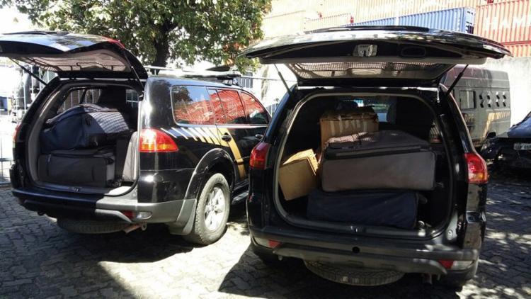 Malas de dinheiro encontradas em 'bunker' foram levadas em dois carros da PF - Foto: Divulgação l PF
