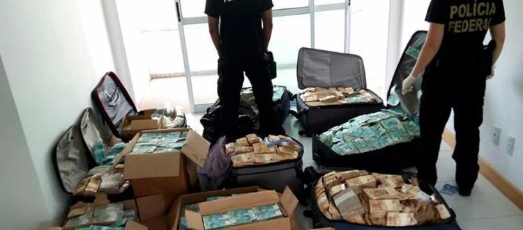 Malas que guardavam os R$ 51 milhões em 'bunker' continham digitais de ex-assessor - Foto: Divulgação l PF