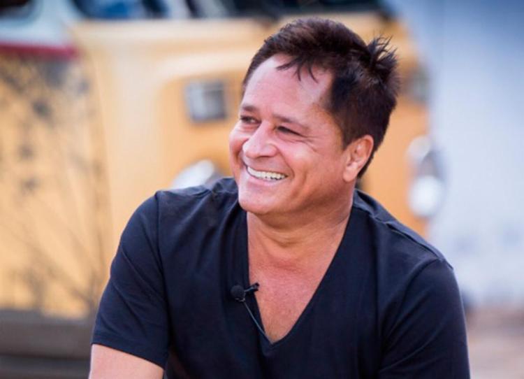 Cantor Leonardo nega acidente áereo em praia de Macéio, diz site