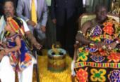 Rei de nação Ashanti de Gana visita a sede do Olodum | Foto: