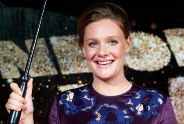 Produtor demitido colocava atrizes em 'situações humilhantes', diz Romola Garai