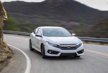 Civic vence Corolla no embate das versões mais caras