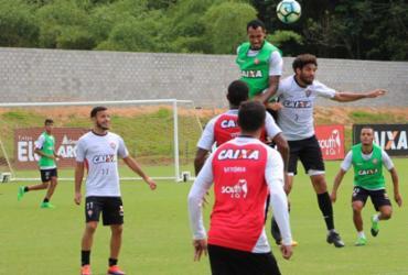 Fora de casa, Vitória encara o Santos para aumentar distância do Z-4