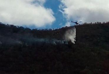 Com auxílio de helicóptero, brigadas debelam incêndios em Rio do Pires