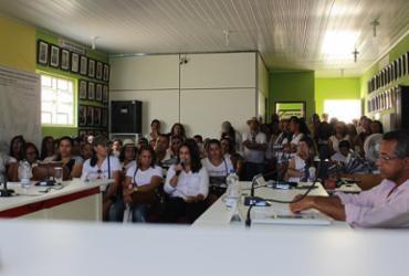 Profissionais da educação param em Ibitiara