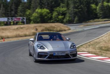 Panamera Turbo S E-Hybrid joga luz sobre futuro da Porsche