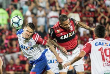 Bahia sai atrás, chega a empatar, mas é goleado pelo Flamengo