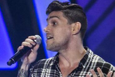 Cantor de Salvador se destaca e conquista Ivete e Teló no The Voice