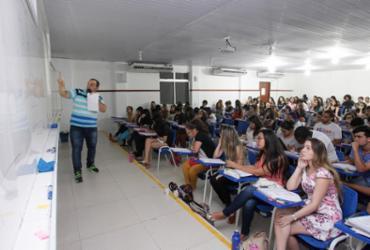 Cursos e faculdades dão início à maratona de revisão para o Enem