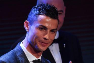 Cristiano Ronaldo vence pela 5ª vez troféu de melhor do mundo e se iguala a Messi