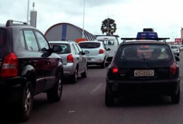 Manifestantes chegam ao CAB e liberam trânsito na Paralela
