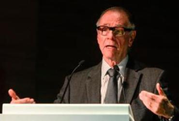 Preso no Rio sob acusação de corrupção, Nuzman renuncia à presidência no COB