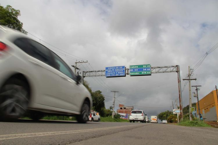 Duplicação da rodovia irá beneficiar 500 mil baianos - Foto: Franco Adailton | Ag. A TARDE